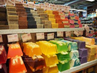 ハワイにて 鮮やかな石鹸 食べ物ではありませんの写真・画像素材[1736857]