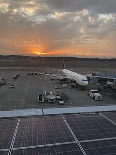 成田空港 夕暮れの写真・画像素材[1736965]