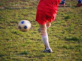 男性,1人,学生,スポーツ,サッカーボール,サッカー,部活,サッカー!,シュート