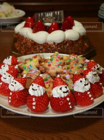 食べ物,スイーツ,ケーキ,赤,いちご,苺,クリスマス,サンタクロース,クッキー,テーブルフォト,イチゴ