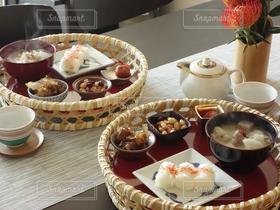 食べ物,おせち料理,朝ごはん,和食,テーブルフォト,竹籠