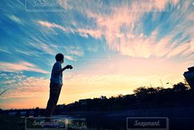 1人,風景,空,夏,雲,シルエット,風