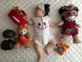 子ども,ハロウィン,寝相アート