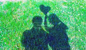 女性,男性,恋人,2人,20代,自然,風景,公園,カップル,影
