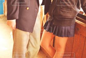 女性,男性,恋人,2人,学生,10代,カップル,足,学校,高校生,青春,脚,恋愛,制服,女子高生,JK