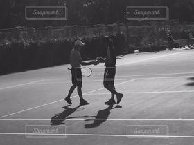 男性,2人,アウトドア,スポーツ,モノクロ,テニス,ダブルス