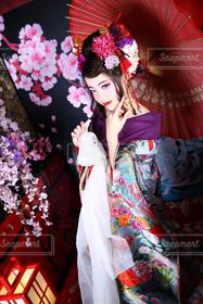 女性,1人,モデル,20代,傘,京都,かわいい,撮影,人物,着物,旅行,日本,大学生,女子大生,嵐山,和服,祇園,和,happy,和風,花魁,20歳,エロ,盛り盛り,語り