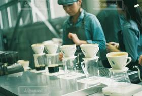 女性,3人,カフェ,コーヒー