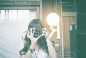 女性,1人,モデル,20代,カメラ,自撮り,カメラ女子,撮影,人物