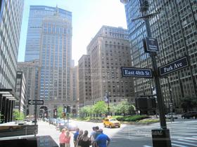 ニューヨーク,街並み,ビル,車,アメリカ,街,オフィス,高層ビル,交差点,NY,オフィス街,ビジネス,摩天楼,建築,ビジネス街