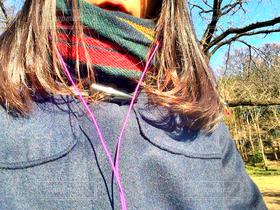 女性,学生,公園,冬,自撮り,晴れ,コート,セルフィー,イヤホン,巻き髪,女子高生