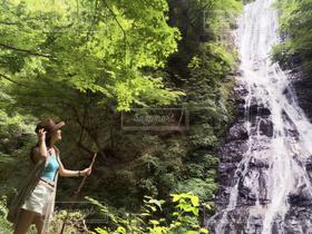 女性,自然,スレンダー,散歩,山,滝,旅行,旅,美脚,埼玉県,大人女子,丸神の滝
