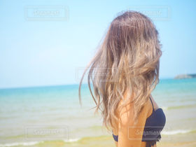 女性,1人,学生,モデル,10代,20代,風景,海,空,夏,水着