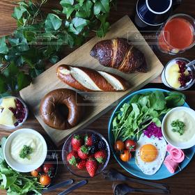 食べ物,食事,朝食,パン,料理,朝ごはん,テーブルフォト,美味しい